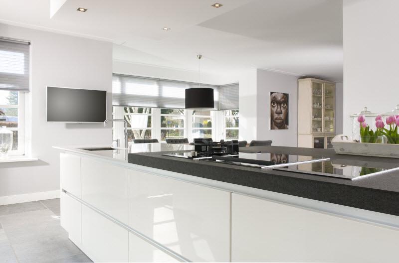Strakke Keuken Met Eiland : Keukenstudio Stoof Moderne Keukens