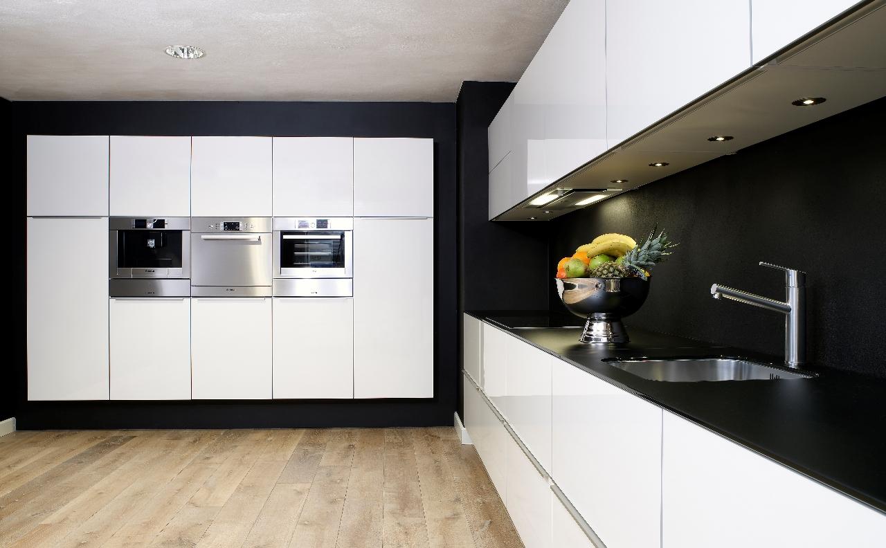 Keukenstudio stoof moderne keukens for Moderne keuken